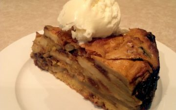 Apple and Vino Cotto cake with ice-cream