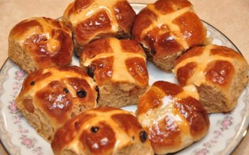 Vincotto Hot cross buns