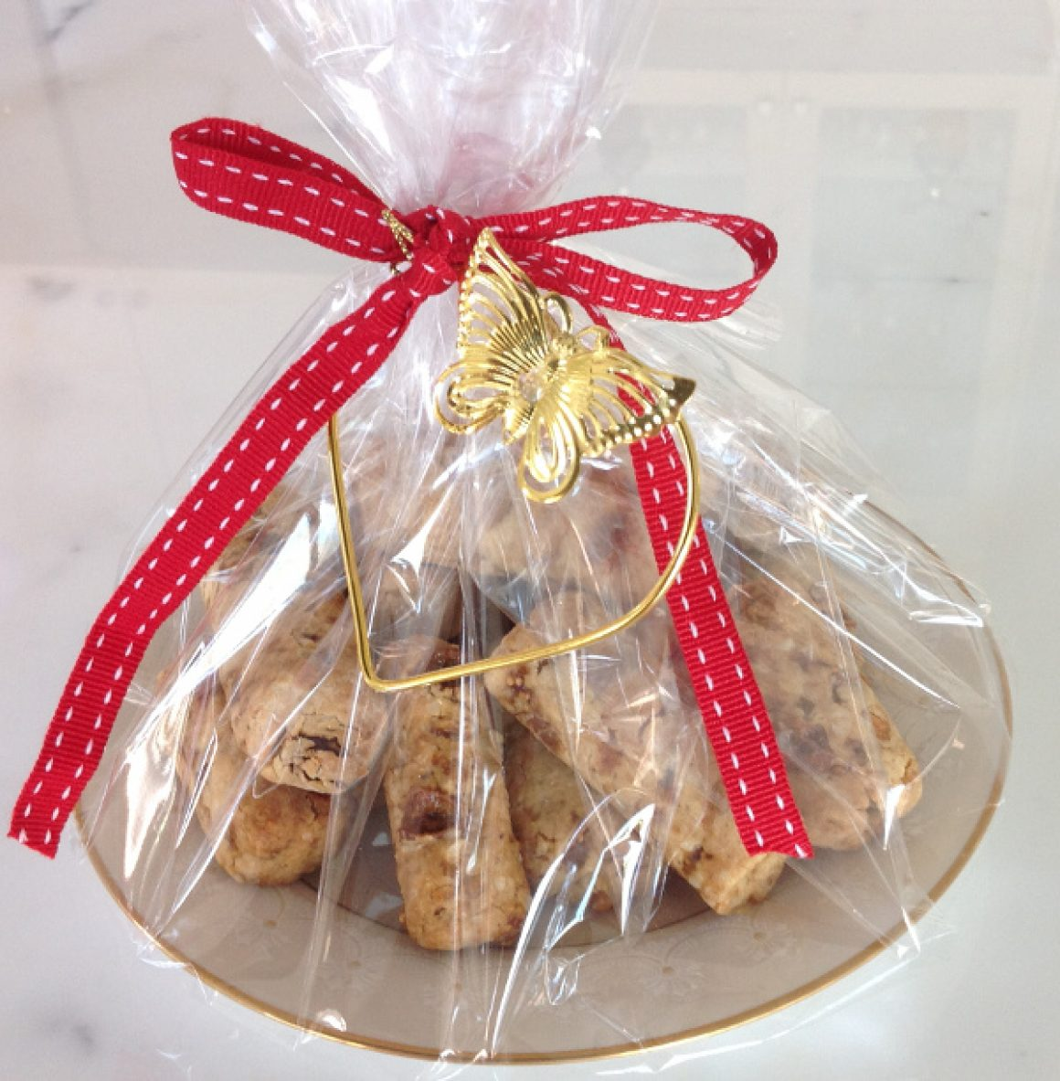 Vino Cotto Spiced Fruit and Nut Biscuits gift